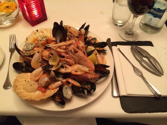 Loch Ness Country House Hotel at Dunain Park: One of the most amazing roasted shellfish ever!