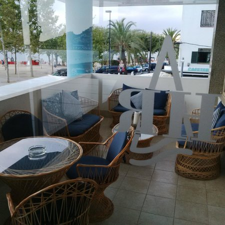 Hotel Ramblamar : salon exterieur