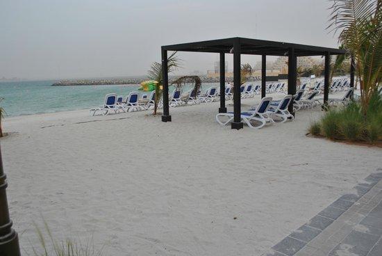 Doubletree by Hilton Ras Al Khaimah: Пляж