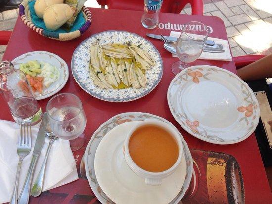 Restaurante Apolo: Gazpacho, boquerones vinagre