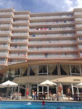 Hotel Pinero Tal: Hotel, vue de la piscine