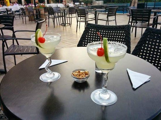 Theartemis Palace Hotel: Paid Coctails