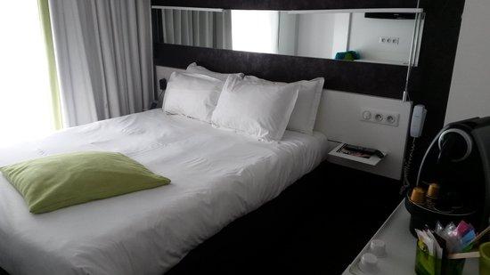 Best Western Hotel Le Montparnasse : Hotel room