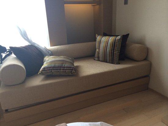 Hotel Jen Puteri Harbour, Johor: The sofa corner