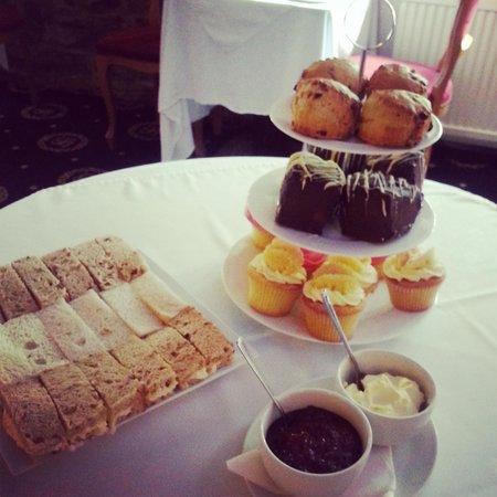 Santo's Higham Farm Hotel: Delicious afternoon tea