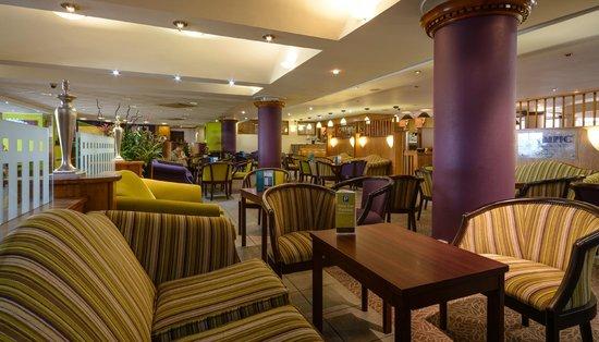 Cedar Court Hotel Huddersfield/Halifax: Bar Lounge Area