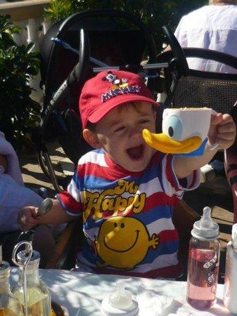 El Puente: Ice cream for the kids