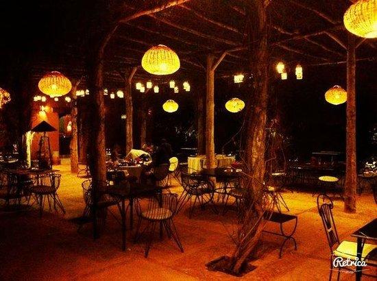 Hotel By Beldi: dîner sous la tonnelle