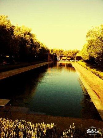 Hotel By Beldi: piscine hôtel