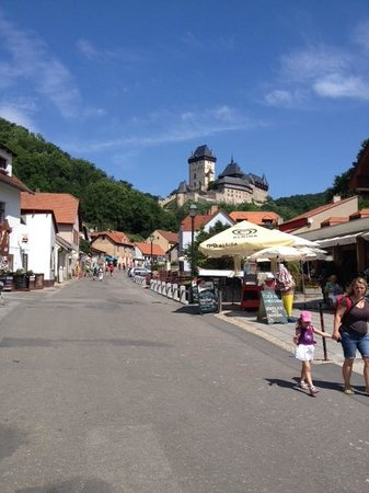 Praha Bike -  Bicycle Tours & Rentals : Road leading up to the castle