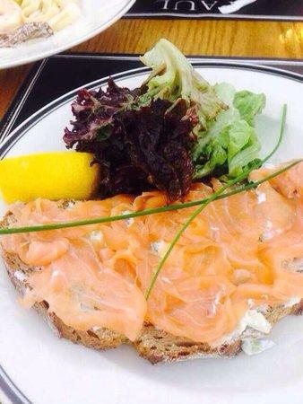 Paul: Tartine au saumon