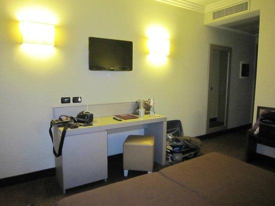 Ardeatina Park Hotel : Scrivania