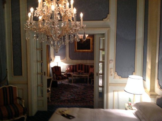 Hotel Imperial Vienna: Bedroom to Sitting Room