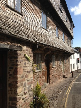 The Luttrell Arms: One og Dunster's medieval houses