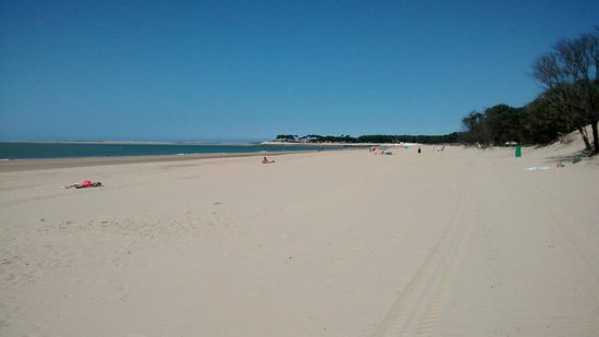 Camping Logis du Breuil : The local beach