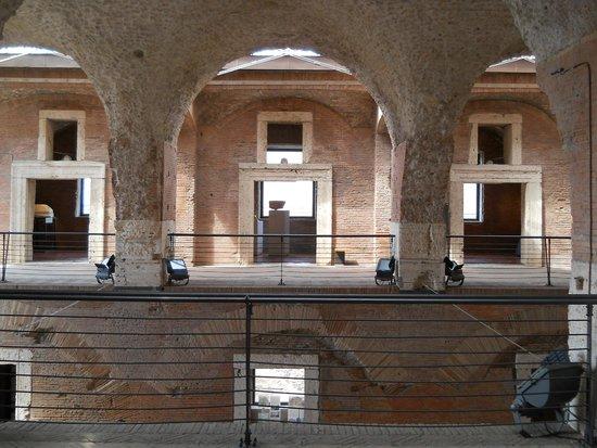 Mercati di Traiano - Museo dei Fori Imperiali : dentro del museo