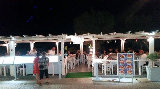 Seaside Beach Hotel: ristorante sulla spiaggia