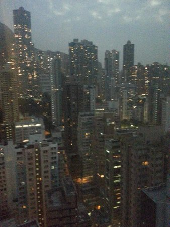Holiday Inn Express HONG KONG SOHO: view from the upper floors