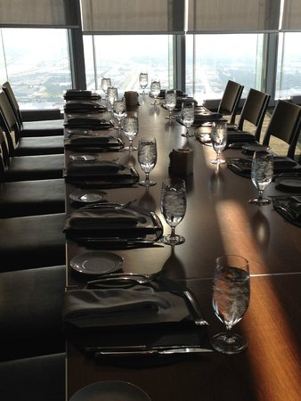 Vast : Private Dining Room w/ Table set for 18 on 49th floor.