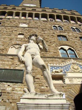 Piazza della Signoria: Copy of David in front of Palazzo Vecchio