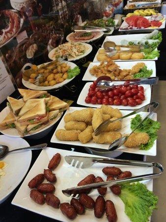 Hanoi Morgans Hotel: Part of the buffet breakfast