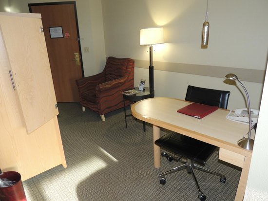 "Westmark Fairbanks Hotel and Conference Center: ""Work area"""