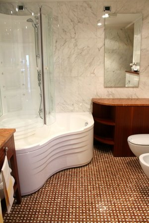 BEST WESTERN Hotel Nazionale : ванная