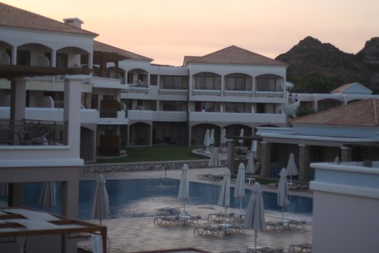 La Marquise Luxury Resort Complex : Dawn
