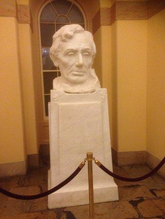 Capitol Hill: Statue if Abraham Lincon
