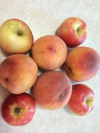 Milburn Orchards : Peaches & Apples from Milburns 2014