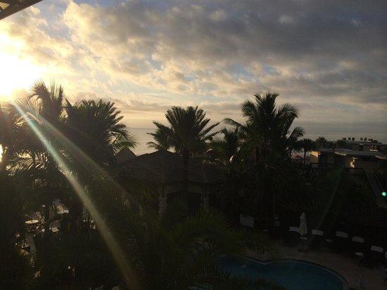 Kimpton Vero Beach Hotel & Spa : Sunrise from our room.