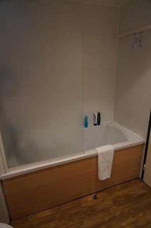 Novotel Suites Montpellier: Bathroom