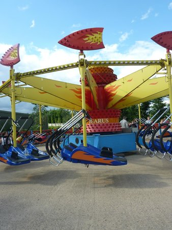 Twinlakes Park: The Sky Flyers