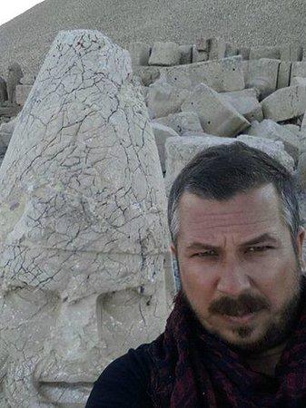 Mount Nemrut: selfie with zeus :D