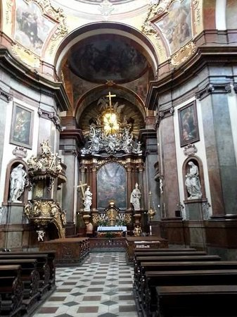 St. Francis of Assisi Church: Autel