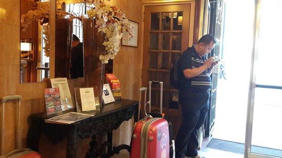 Terminus Orléans : Hotel reception