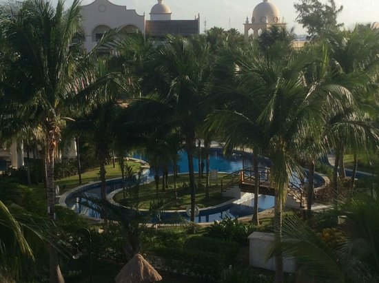 Excellence Riviera Cancun : Lazy River from Block 5...