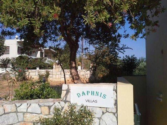 Daphnis Villas: achterkant