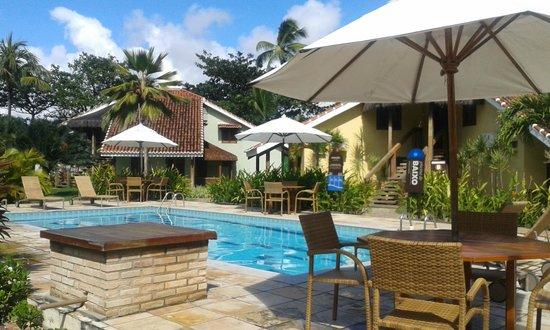 Hotel Armação - Porto de Galinhas: Vista da piscina lateral em frente ao apto 17 que ficamos