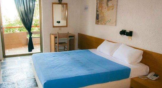 Apollonia Hotel Apartments: Suite