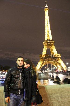 Eiffel Tower: Любовь...