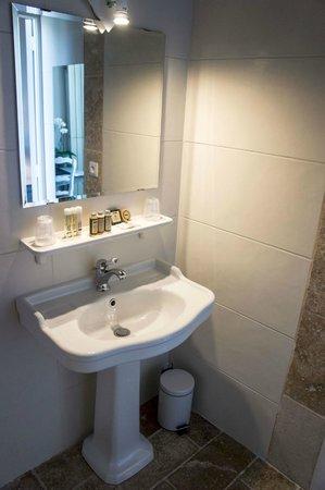 Hôtel de France : Salle de bain