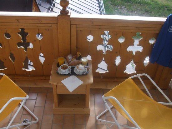 Hotel Cristallo: colazione in camera caffe e cappuccino eccezionali