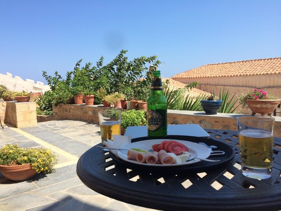 Likinia Hotel: Offering from the owners on a hot afternoon!