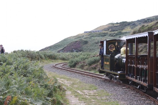 Groudle Glen Railway: The line along the cliffs
