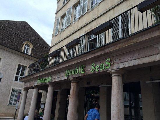 Brasserie Double Sens : The exterior off rue expired fraisse.