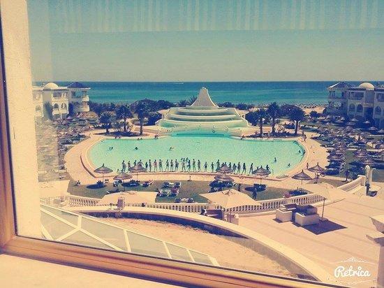 Golden Tulip Taj Sultan Resort: VUE DE LA CHAMBRE