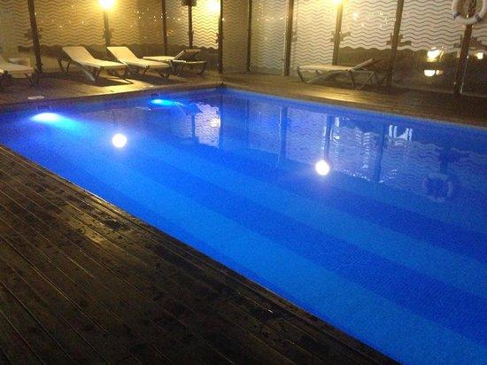 Hotel Malaga Nostrum : Piscine