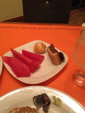 Sama-Sama Hotel KL International Airport: Delicious watermelon :)