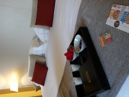 Grand Hotel Central: Best View Room + Romantique pack